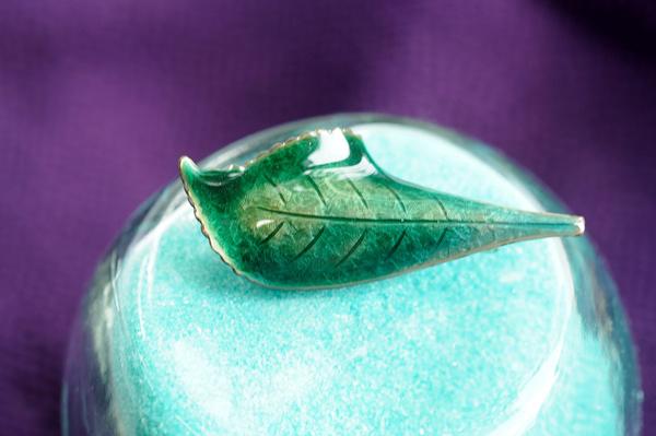 七宝焼き彫金版ブローチグリーン#Br006-2